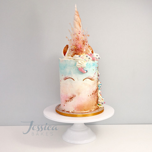 Sunset Unicorn cake in buttercream