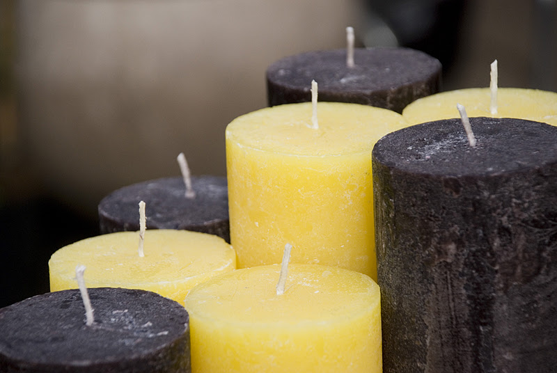 Block candle Aubergine & Narcissus