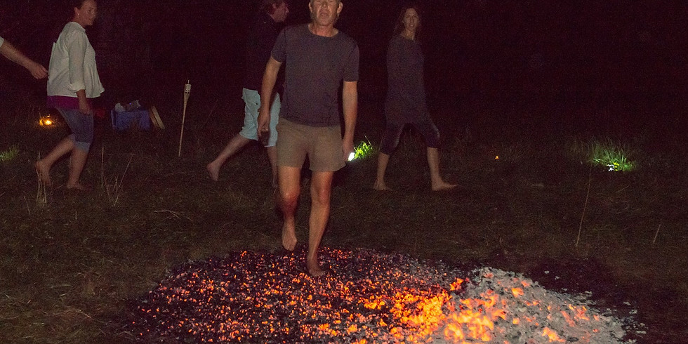 Feuerlauf  im Herbst