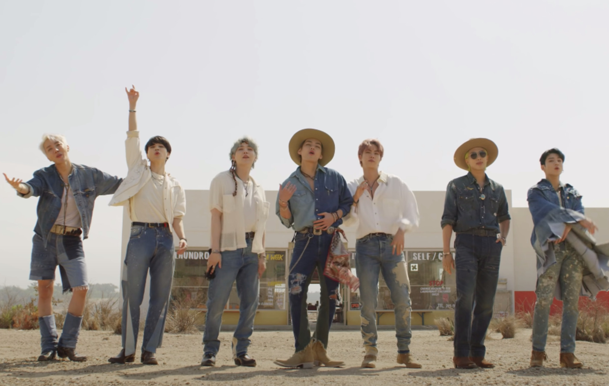 BTS - Permission to Dance [Zoom]