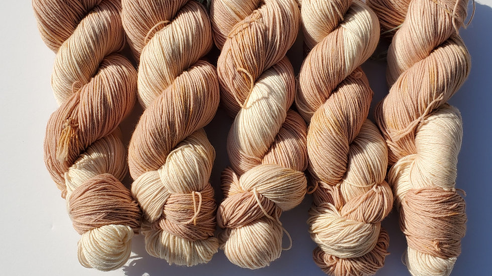 Hitcha Wood with Henna accents Lot