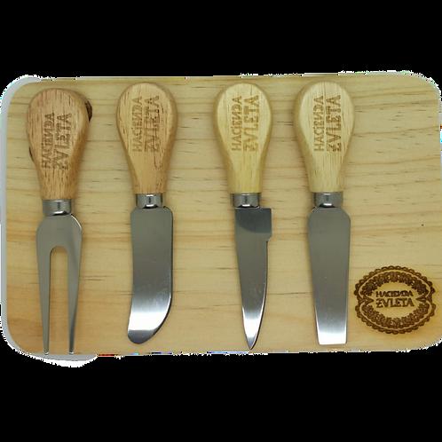 Tablitas de quesos con 4 cuchillos