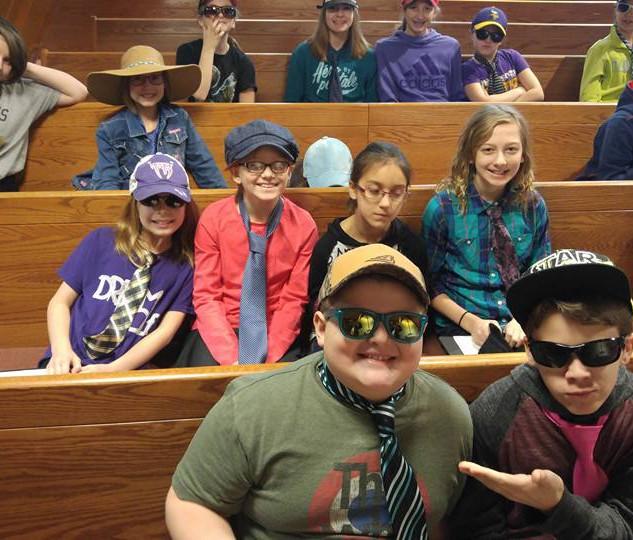 kids in church.jpg