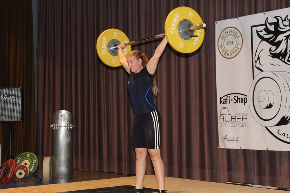 Leonie Stöcklin mit neuer persönlicher Bestmarke im Reißen von 50 Kilogramm