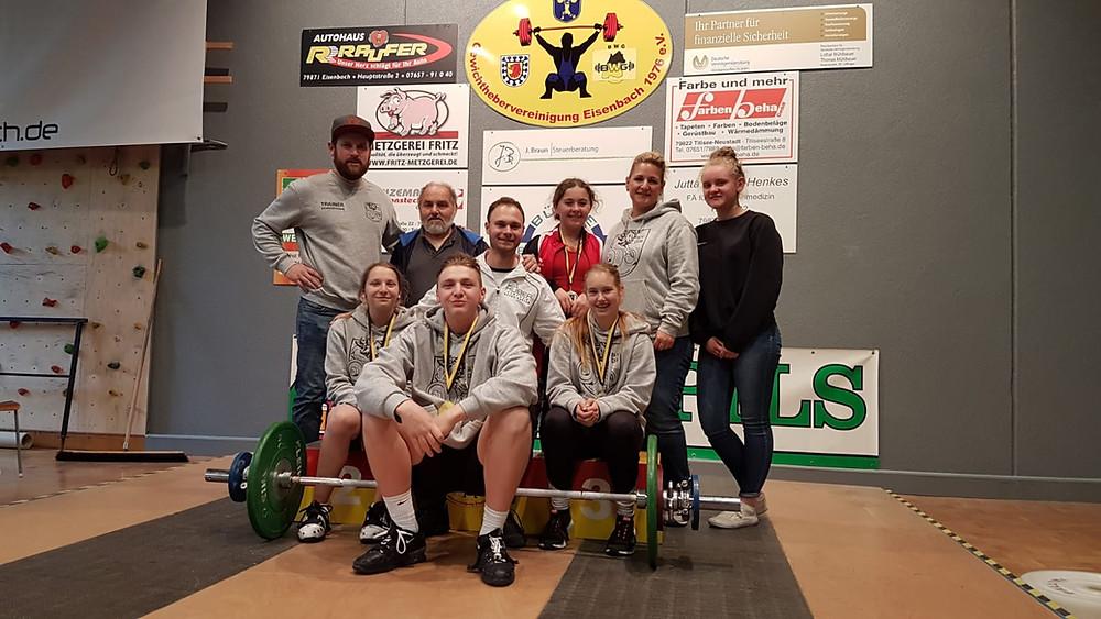 Die erfolgreiche Athleten des SV 08 mit dem Betreuerteam