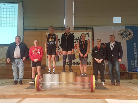 Lisa Eble holt Bronze bei deutschen Meisterschaften in Roding - ein Heberkrimi