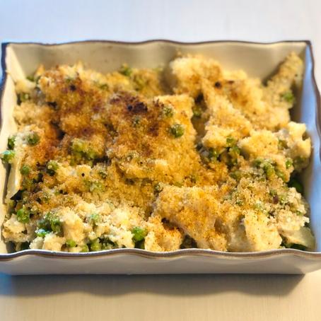 Baked Cheesy Cauliflower & Peas
