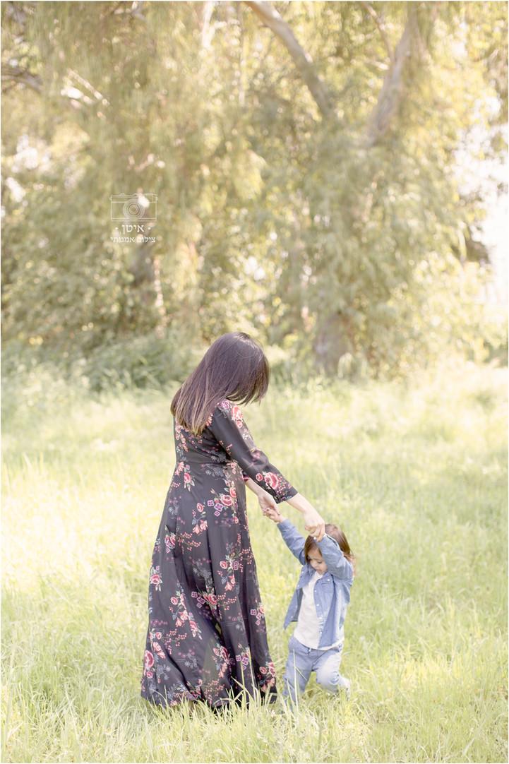 צילומי הריון ומשפחה בטבע למשפחת חדד