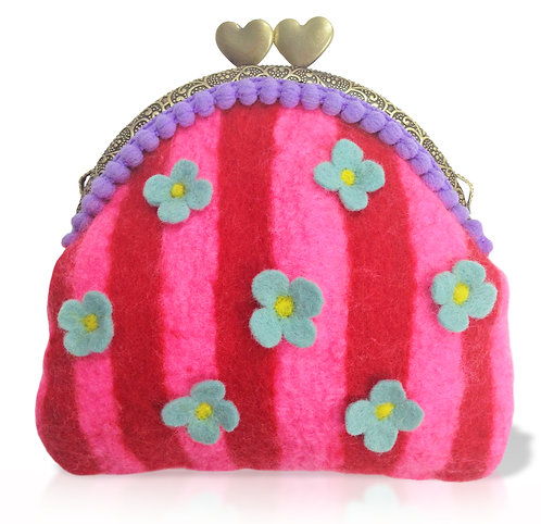 Valiant Vera Coin Clutch COMPLETE Felting Kit