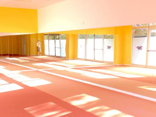 Perchè per le nostre sale del Bikram Yoga abbiamo scelto un pavimento hi-tech in Flotex
