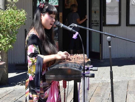 Granville island live performanceライブ演奏