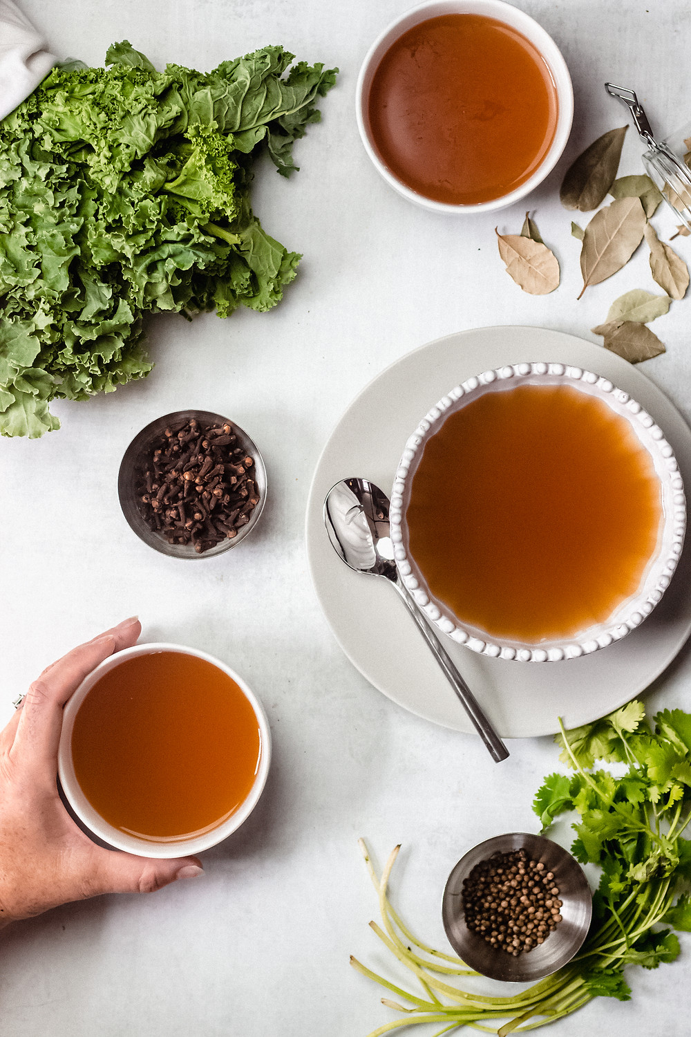 Pretty Delicious Life Low FODMAP Slow Cooker Bone Broth/Veggie Broth - You guys, how did it take me THIS long to get a broth recipe up for you?! SHEESH. I would like to personally apologize for depriving you of this for so long, but I AM posting just in time for cozy season, which definitely counts for something!