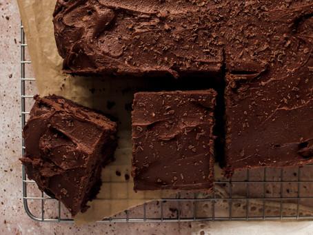 Vegan Gluten Free Chocolate Cake with Vegan Chocolate Buttercream Frosting | Pretty Delicious Life