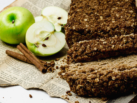 Low FODMAP Grain Free Apple Streusel Loaf - A low FODMAP Dessert