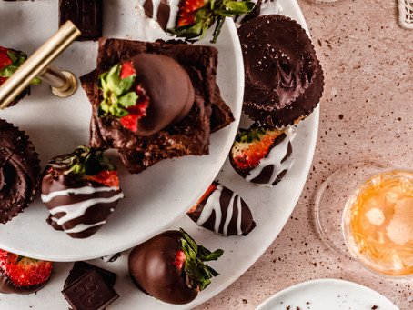 Easy Vegan Chocolate Covered Strawberries | Pretty Delicious Life