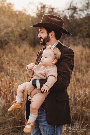 Family Photography Session at Cibolo Nature Center in Boerne, Texas by Oh, Tannenbaum Photography