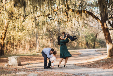 Winter family photo session along greenway in San Antonio, Texas by Oh, Tannenbaum Photography