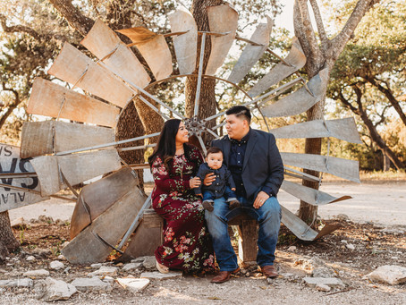 Family Photos in Old Town Helotes