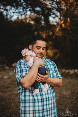 Family Photography Sessions in Helotes, Texas by Oh, Tannenbaum Photography