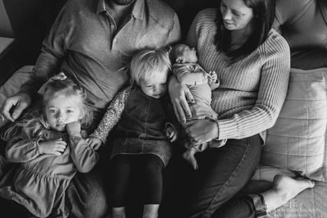 inhome-Newborn-siblings_ohtannenbaumphot