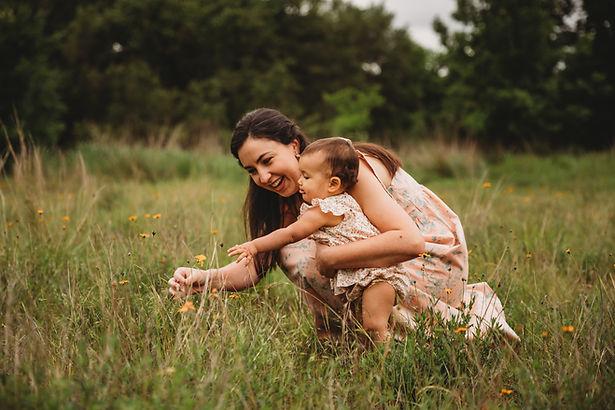 ohtannenbaumphotos_motherdaughter.jpg