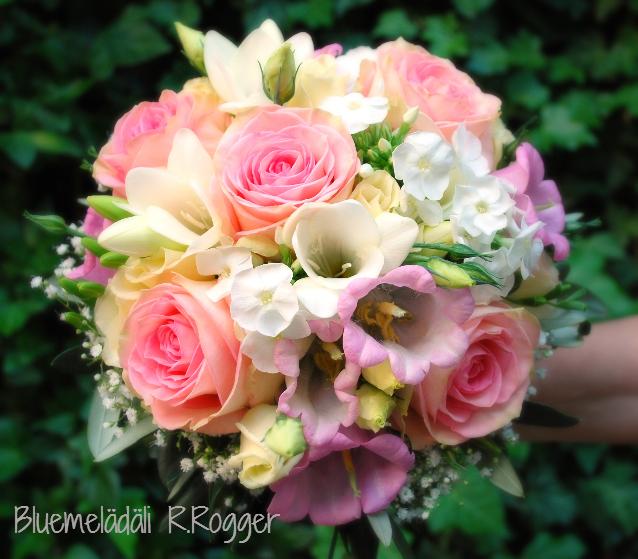 romantischer Brautstrauss in rosa-cremè