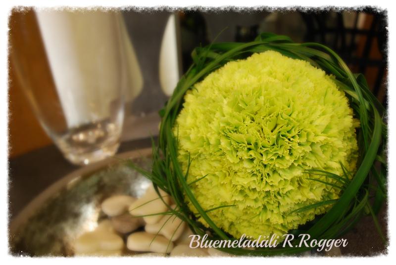 Brautstrauss mit grünen Dianthus