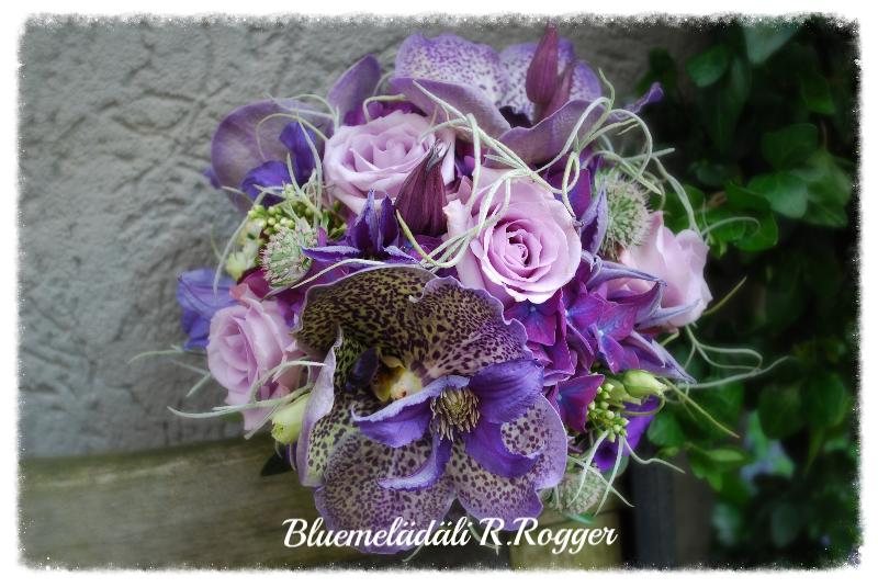 Brautstrauss in lila-violett mit Orchideen