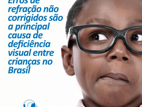 Erros de refração não corrigidos são a principal causa de deficiência visual entre crianças