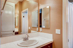 Cornerlot home in Bressi Ranch-large-015