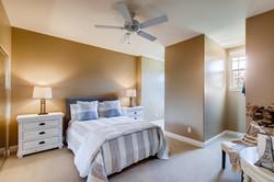 Cornerlot home in Bressi Ranch-large-013