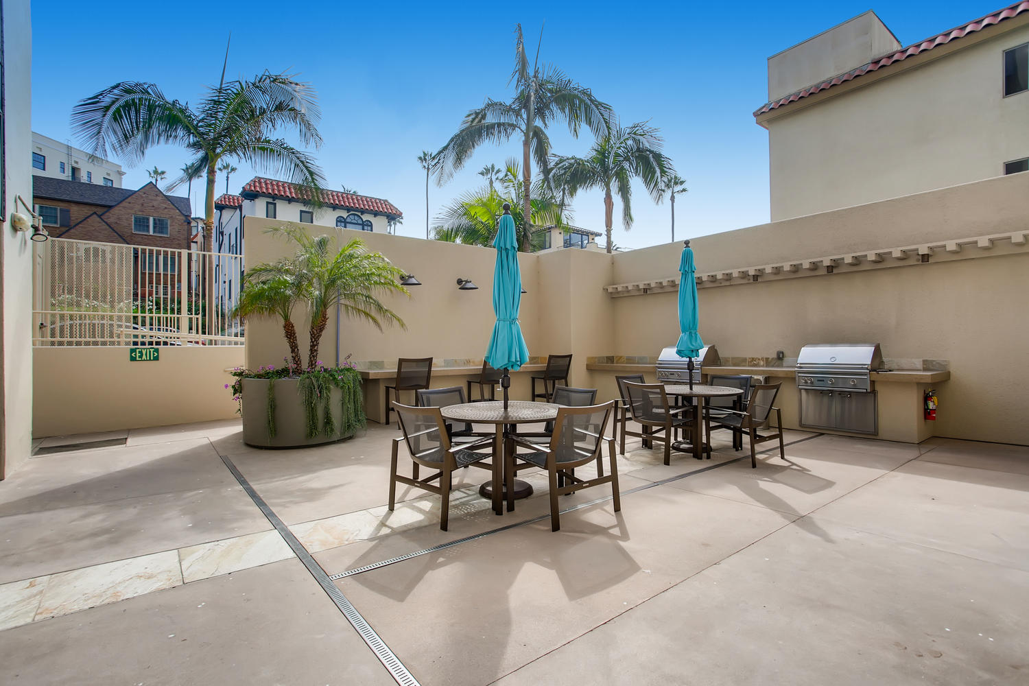 939 Coast Blvd Unit DE21 La-large-041-24