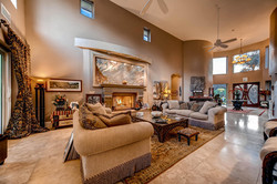 7060 Via Mariposa Sur Bonsall-large-006-8-Living Room-1500x1000-72dpi