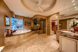 7060 Via Mariposa Sur Bonsall-large-017-24-Master Bathroom-1500x1000-72dpi
