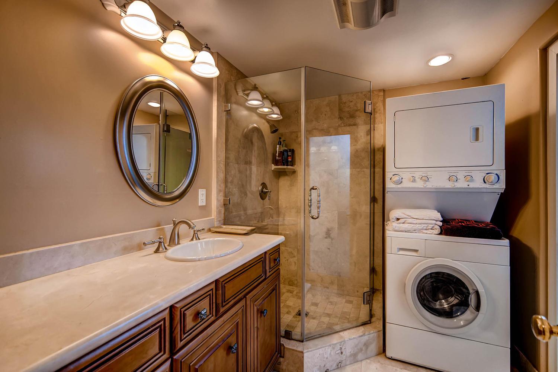 7060 Via Mariposa Sur Bonsall-large-026-22-Guest House Bathroom-1500x1000-72dpi