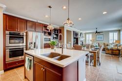 Cornerlot home in Bressi Ranch-large-007