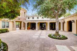 Cornerlot home in Bressi Ranch-large-020
