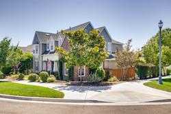 Cornerlot home in Bressi Ranch-large-001