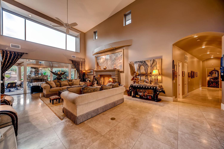 7060 Via Mariposa Sur Bonsall-large-007-15-Living Room-1500x1000-72dpi
