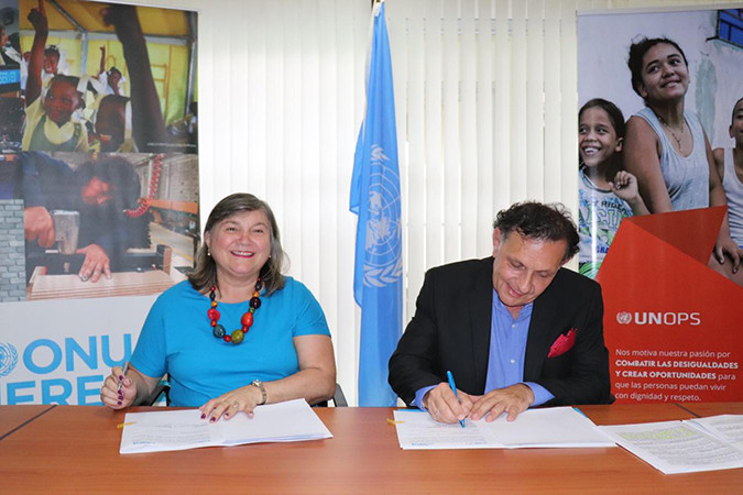 Maria-Noel Vaeza, Directora Regional para las Américas y el Caribe de ONU Mujeres y Fabrizio Feliciani, Director Regional para América Latina y el Caribe de la Oficina de las Naciones Unidas de Servicios para Proyectos (UNOPS).