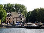 800px-Wambrechie_chateau_de_robersart.jpg