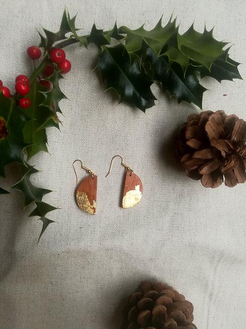 Boucles d'oreilles demi lune en acajou doré