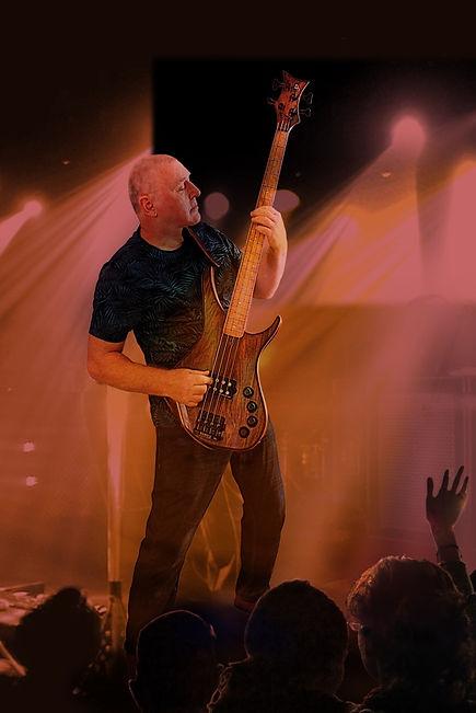 me custom bass fini 3.jpg