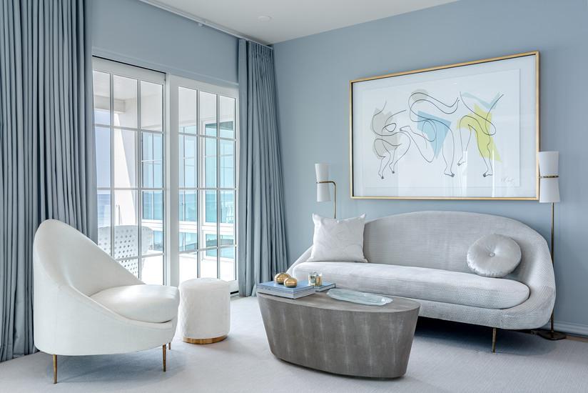 Lounge in Master Bedroom Suite