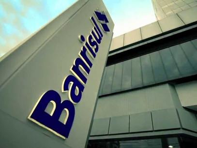 BANRISUL público é defendido por Pepe Vargas em reunião com bancos