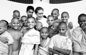 SynapseIndia-CSR-Childrens-with-H-Lucy-G
