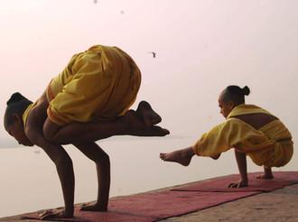 SynapseIndia-CSR-Students-practicing-Yog