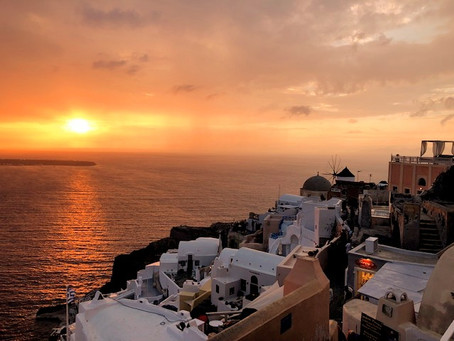 Sunset Chasing in Santorini - Is It Worth It?