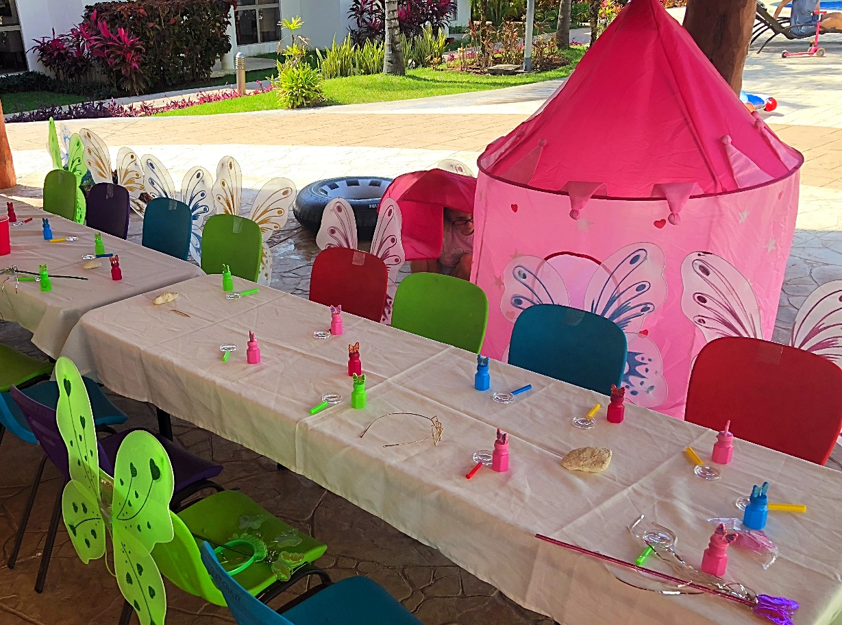 Pop up castle for a fairytale touch