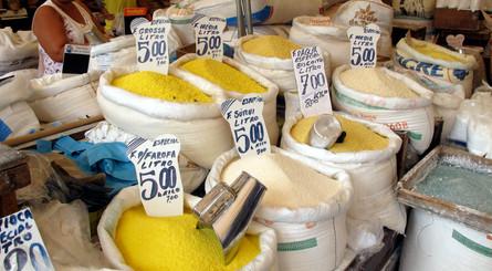 Manioc flour in Ver o Peso Market
